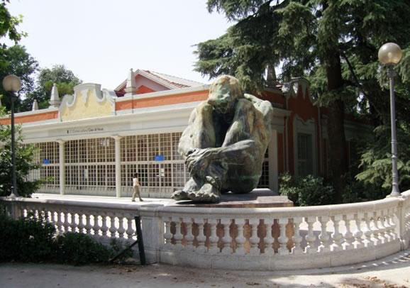 La Casa De Vacas Y El Templete